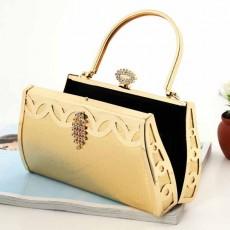 กระเป๋าคลัชออกงาน กระเป๋าถือคริสตัลระย้าแฟชั่นเกาหลีเข้าชุดราตรีงานแต่ง นำเข้า สีทอง - พร้อมส่งAP2573 ราคา1900บาท
