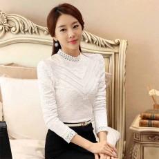 เสื้อลูกไม้แขนยาว แฟชั่นเกาหลีคอตั้งลูกไม้ดีไซน์คอวีหรูหรา นำเข้า ไซส์XL สีขาว - พร้อมส่งBM2740 ราคา1300บาท
