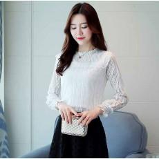 เสื้อลูกไม้แขนยาวแฟชั่นเกาหลีปลายแขนจั๊มสวยออกงานใหม่ ไซส์L-XL สีขาว นำเข้า พร้อมส่งBM2751 ราคา1300บาท