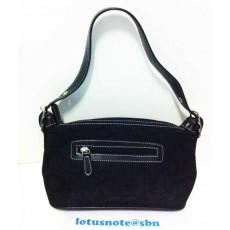COACH Signature Small Handbag Purse Black Leather ของแท้มือสองจากอเมริกา พร้อมส่ง ราคา2790บาท