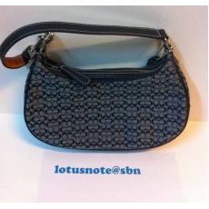 COACH Small Jacquard Signature W/Tan Hobo Shoulder/Hand bag ใหม่ของแท้จากอเมริกา พร้อมส่ง ราคา5900บาท [หมดค่ะ]