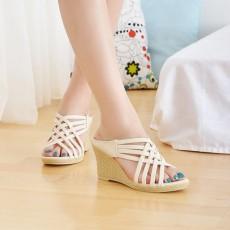 รองเท้าส้นตึก สายไขว้สวยแฟชั่นเกาหลีเบาสบายเท้า นำเข้าไซส์34ถึง39 สีขาว - พรีออเดอร์HS106-4 ราคา1350บาท