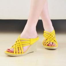 รองเท้าส้นตึก สายไขว้สวยแฟชั่นเกาหลีเบาสบายเท้า นำเข้าไซส์34ถึง39 สีเหลือง - พรีออเดอร์HS106-4 ราคา1350บาท