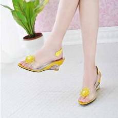 รองเท้าแก้ว ส้นสูงแฟชั่นเกาหลีสวยหรูหราแต่งดอกไม้แก้ว นำเข้า สีเหลือง - พรีออเดอร์HS9099 ราคา1450บาท