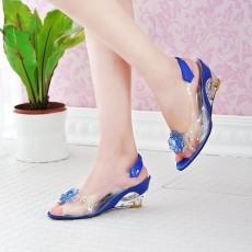 รองเท้าแก้ว ส้นสูงแฟชั่นเกาหลีสวยหรูหราแต่งดอกไม้แก้ว นำเข้า สีน้ำเงิน - พรีออเดอร์HS9099 ราคา1450บาท