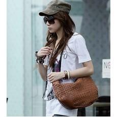 กระเป๋าสะพาย ข้างแฟชั่นเกาหลี ผู้หญิง หนังสาน สวยมาก นำเข้า สีน้ำตาล - พร้อมส่งIS169 ราคา770บาท