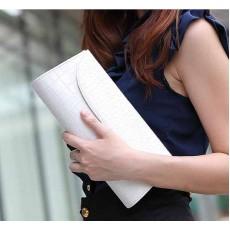 กระเป๋าคลัช แฟชั่นเกาหลีถือทำงานสวยหรูมีสายโซ่ถอดได้ใช้ออกงาน นำเข้า สีขาว - พรีออเดอร์IS954 ราคา690บาท