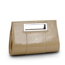 กระเป๋าถือ แฟชั่นเกาหลีแบบกระเป๋าคลัชมีสายสะพายยาวหรูมาก นำเข้า สีเบจ - พร้อมส่งIS986 ราคา850บาท [หมดค่ะ]