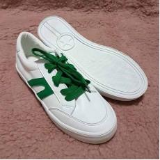 รองเท้าผ้าใบคัทชูหุ้มส้นหนังอินเทรนด์แฟชั่นเกาหลีนุ่มสบายเท้า นำเข้า ไซส์38-39 สีขาว พร้อมส่งBS0121 ราคา600บาท