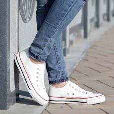 รองเท้าผ้าใบ แฟชั่นเกาหลีส้นเตี้ยใส่ได้ทุกคน นำเข้า ไซส์35ถึง44 สีขาวขอบแดง - พรีออเดอร์MA3012 ราคา850บาท