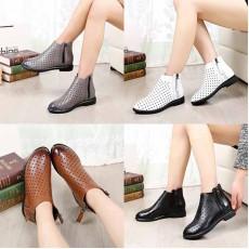 รองเท้าบูทสั้นแฟชั่นเกาหลีหนังฉลุหุ้มข้อสไตล์วินเทจ ไซส์32-43 นำเข้า พรีออเดอร์BS0128 ราคา2550บาท