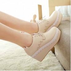 รองเท้าส้นตึก แฟชั่นเกาหลีผ้าใบลูกไม้ส้นเตารีด นำเข้าไซส์34ถึง42 สีครีม - พรีออเดอร์RB2023 ราคา1850บาท