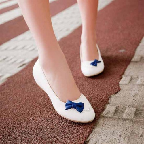 รองเท้าส้นเตี้ย แฟชั่นเกาหลีสวมใส่เดินสบาย นำเข้า ไซส์34ถึง43 สีขาว - พรีออเดอร์RB2041 ราคา1170บาท