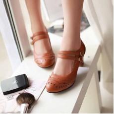 รองเท้าส้นสูง แฟชั่นเกาหลีหนังฉลุลายลูกไม้ นำเข้าไซส์34ถึง39 สีน้ำตาล - พรีออเดอร์RB2067 ราคา1500บาท