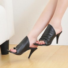 รองเท้าส้นสูง แฟชั่นเกาหลีสวยสวมง่ายสบายเท้า นำเข้าไซส์34ถึง39 สีดำ - พรีออเดอร์RB2127 ราคา1650บาท