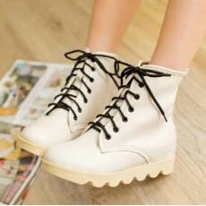 รองเท้าบูทมาร์ติน หุ้มข้อสุดเท่พื้นหนาแฟชั่นเกาหลี นำเข้า ไซส์34ถึง40 สีเบจ - พรีออเดอร์RB2165 ราคา1600บาท