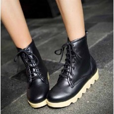 รองเท้าบูทมาร์ติน หุ้มข้อสุดเท่พื้นหนาแฟชั่นเกาหลี นำเข้า ไซส์34ถึง40 สีดำ - พรีออเดอร์RB2165 ราคา1600บาท