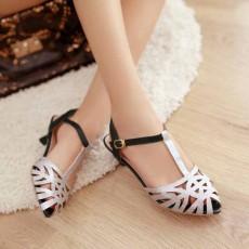 รองเท้าส้นเตี้ย แต่งกากเพชรสไตล์หรูแบบดาราแฟชั่นเกาหลี นำเข้าไซส์34ถึง43 สีเงิน - พรีออเดอร์RB2170 ราคา1800บาท
