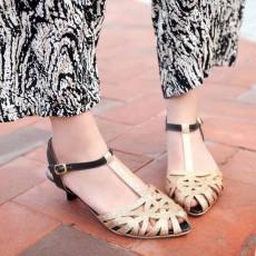 รองเท้าส้นเตี้ย แต่งกากเพชรสไตล์หรูแบบดาราแฟชั่นเกาหลี นำเข้าไซส์34ถึง43 สีทอง - พรีออเดอร์RB2170 ราคา1800บาท