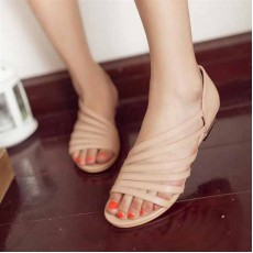 รองเท้าสวย ส้นเตี้ยเปิดเท้ารุ่นใหม่แฟชั่นเกาหลี นำเข้าไซส์33ถึง43 สีครีม - พรีออเดอร์RB2205 ราคา1800บาท
