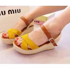 รองเท้าส้นตึก แฟชั่นเกาหลีเปิดหน้าและส้นเท้าหนังกลับส้นกกสานตันรุ่นใหม่ นำเข้าไซส์38 สีเหลือง - พร้อมส่งRB2225 ราคา1150บาท