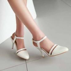 รองเท้าส้นสูง หัวแหลมใส่ทำงานสวยใหม่แฟชั่นเกาหลี นำเข้า ไซส์34ถึง39 สีขาว - พรีออเดอร์RB2261 ราคา1550บาท