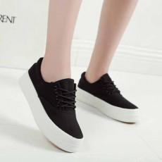 รองเท้าผ้าใบส้นหนา แฟชั่นเกาหลีแนวผู้หญิงแบบสวมหุ้มส้น นำเข้า ไซส์35ถึง39 สีดำ - พรีออเดอร์RB2294 ราคา1450บาท