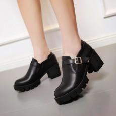 รองเท้าแฟชั่นเกาหลี สตรีทชูส์หนังนุ่มใส่สบายเพื่อสุขภาพไซส์ใหญ่ นำเข้า ไซส์33ถึง43 สีดำ - พรีออเดอร์RB2296 ราคา1750บาท