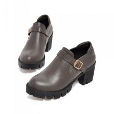 รองเท้าแฟชั่นเกาหลี สตรีทชูส์หนังนุ่มใส่สบายเพื่อสุขภาพไซส์ใหญ่ นำเข้า ไซส์33ถึง43 สีเทา - พรีออเดอร์RB2296 ราคา1750บาท