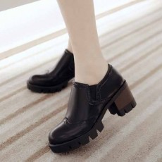 รองเท้าแฟชั่นเกาหลี หุ้มส้นหนังนุ่มใส่สบายเพื่อสุขภาพไซส์ใหญ่ นำเข้า ไซส์33ถึง43 สีดำ - พรีออเดอร์RB2298 ราคา1750บาท