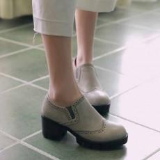 รองเท้าแฟชั่นเกาหลี หุ้มส้นหนังนุ่มใส่สบายเพื่อสุขภาพไซส์ใหญ่ นำเข้า ไซส์33ถึง43 สีเทา - พรีออเดอร์RB2298 ราคา1750บาท