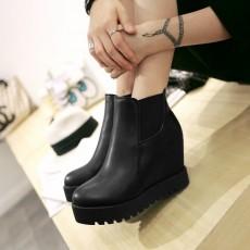 รองเท้าบูทสั้น หุ้มข้อส้นตึกแฟชั่นเกาหลีผู้หญิงหนังรุ่นใหม่เท่สุด นำเข้า ไซส์34ถึง43 สีดำ - พรีออเดอร์RB2307 ราคา1900บาท
