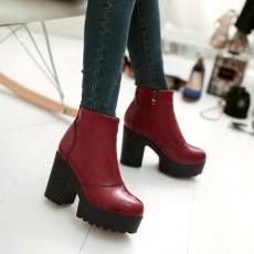 รองเท้าบูทสั้น หุ้มข้อส้นสูงเสริมหน้าเท้าแฟชั่นเกาหลีผู้หญิงใหม่ นำเข้า ไซส์34ถึง43 สีแดง - พรีออเดอร์RB2312 ราคา2250บาท