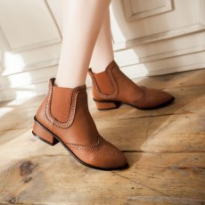 รองเท้าบูทสั้น หุ้มข้อส้นเตี้ยแฟชั่นเกาหลีหนังลายลูกไม้วินเทจ นำเข้า ไซส์33ถึง43 สีน้ำตาล - พรีออเดอร์RB2319 ราคา1950บาท