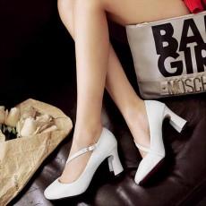 รองเท้าส้นสูง แฟชั่นเกาหลีหุ้มส้นสายไขว้หลังเท้าเสริมเสน่ห์ นำเข้า ไซส์33ถึง43 สีขาว - พรีออเดอร์RB2329 ราคา1890บาท