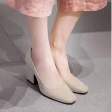 รองเท้าส้นสูง แฟชั่นเกาหลีหุ้มส้นหนังกลับคัทชูสตรีใส่สบาย นำเข้า ไซส์33ถึง43 สีครีม - พรีออเดอร์RB2332 ราคา1950บาท