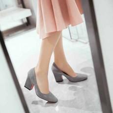 รองเท้าส้นสูง แฟชั่นเกาหลีหุ้มส้นหนังกลับคัทชูสตรีใส่สบาย นำเข้า ไซส์33ถึง43 สีเทา - พรีออเดอร์RB2332 ราคา1950บาท