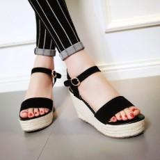 รองเท้าส้นเตารีด มีสายรัดส้นแฟชั่นเกาหลีดีไซน์หนังกลับน่ารัก นำเข้า ไซส์34ถึง39 สีดำ - พรีออเดอร์RB2338 ราคา1900บาท