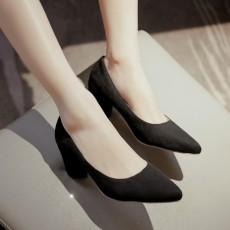 รองเท้าส้นสูง แฟชั่นเกาหลีหุ้มส้นหนังกลับคัทชูสตรีใส่ทำงาน นำเข้า ไซส์33ถึง43 สีดำ - พรีออเดอร์RB2339 ราคา1850บาท