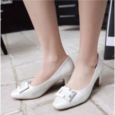รองเท้าส้นสูง แฟชั่นเกาหลีหุ้มส้นหนังแต่งคริสตัลสวมสบาย นำเข้า ไซส์33ถึง43 สีขาว - พรีออเดอร์RB2344 ราคา1750บาท