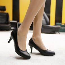 รองเท้าส้นสูง แฟชั่นเกาหลีหุ้มส้นหนังคัทชูผู้หญิงใส่ทำงาน นำเข้า ไซส์33ถึง43 สีดำ - พรีออเดอร์RB2348 ราคา1850บาท
