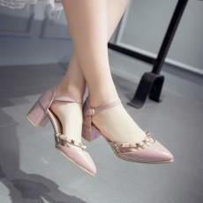 รองเท้าส้นสูง แฟชั่นเกาหลีหัวแหลมแต่งหมุดสไตล์แบรนด์เนม นำเข้า ไซส์34ถึง39 สีชมพู - พรีออเดอร์RB2351 ราคา1850บาท