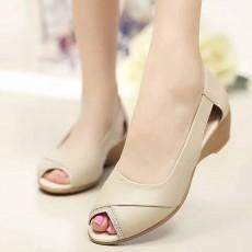 รองเท้าหนังแท้เพื่อสุขภาพ แฟชั่นเกาหลีแต่งคริสตัลหรูแบบใหม่ นำเข้า ไซส์35ถึง40 สีครีม - พรีออเดอร์RB2356 ราคา2500บาท