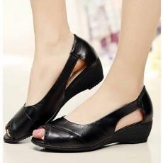 รองเท้าหนังแท้เพื่อสุขภาพ แฟชั่นเกาหลีแต่งคริสตัลหรูแบบใหม่ นำเข้า ไซส์35ถึง40 สีดำ - พรีออเดอร์RB2356 ราคา2500บาท