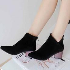 รองเท้าบูทสั้น แฟชั่นเกาหลีส้นสูงซิปหลังบุเฟอร์สวมง่ายใหม่ นำเข้า ไซส์33ถึง43 สีดำ - พรีออเดอร์RB2357 ราคา2200บาท