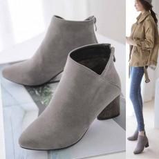 รองเท้าบูทสั้น แฟชั่นเกาหลีส้นสูงซิปหลังบุเฟอร์สวมง่ายใหม่ นำเข้า ไซส์33ถึง43 สีเทา - พรีออเดอร์RB2357 ราคา2200บาท