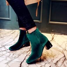 รองเท้าบูทสั้นหนังกำมะหยี่ แฟชั่นเกาหลีหุ้มข้อซิปข้างบุเฟอร์สวม นำเข้า ไซส์33ถึง43 สีเขียว - พรีออเดอร์RB2374 ราคา2350บาท