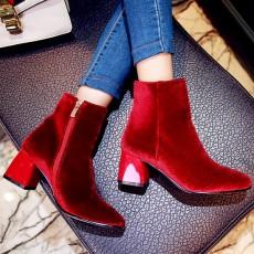 รองเท้าบูทสั้นหนังกำมะหยี่ แฟชั่นเกาหลีหุ้มข้อซิปข้างบุเฟอร์สวม นำเข้า ไซส์33ถึง43 สีแดง - พรีออเดอร์RB2374 ราคา2350บาท