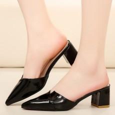 รองเท้าหัวแหลม หนังแก้วแฟชั่นเกาหลีสวมเปิดส้นสวยใหม่ นำเข้าไซส์35ถึง39 สีดำ - พรีออเดอร์RB2387 ราคา1550บาท