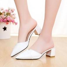 รองเท้าหัวแหลม หนังแก้วแฟชั่นเกาหลีสวมเปิดส้นสวยใหม่ นำเข้าไซส์35ถึง39 สีขาว - พรีออเดอร์RB2387 ราคา1550บาท